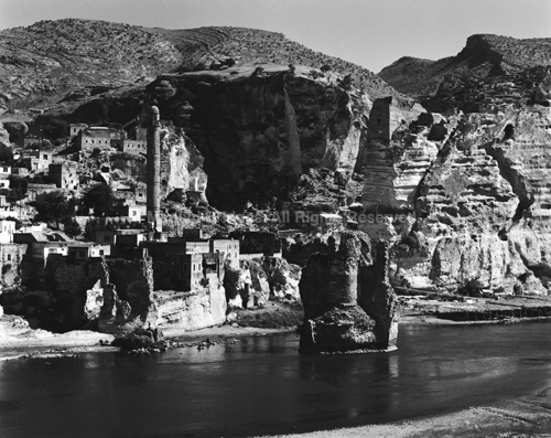 Hasankeyf, Anatolia, 2006. Asia. copyright photographer Marilyn Bridges