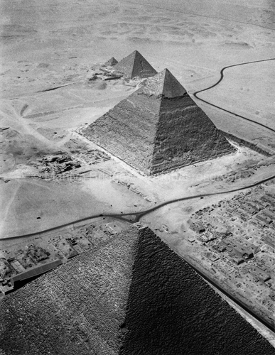Three Pyramids of Giza, Egypt. 1984. copyright photographer Marilyn Bridges