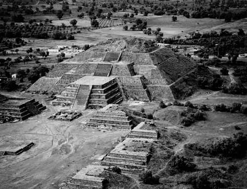 Teotihuacan, Pyramid of the Moon, 1982. Mexico. copyright photographer Marilyn Bridges